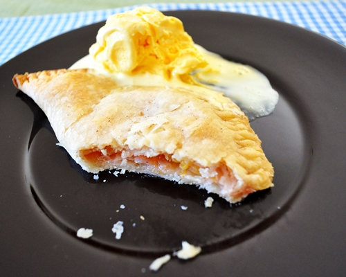 Summer Bourbon Peach Hand Pies - Kitchy Cooking