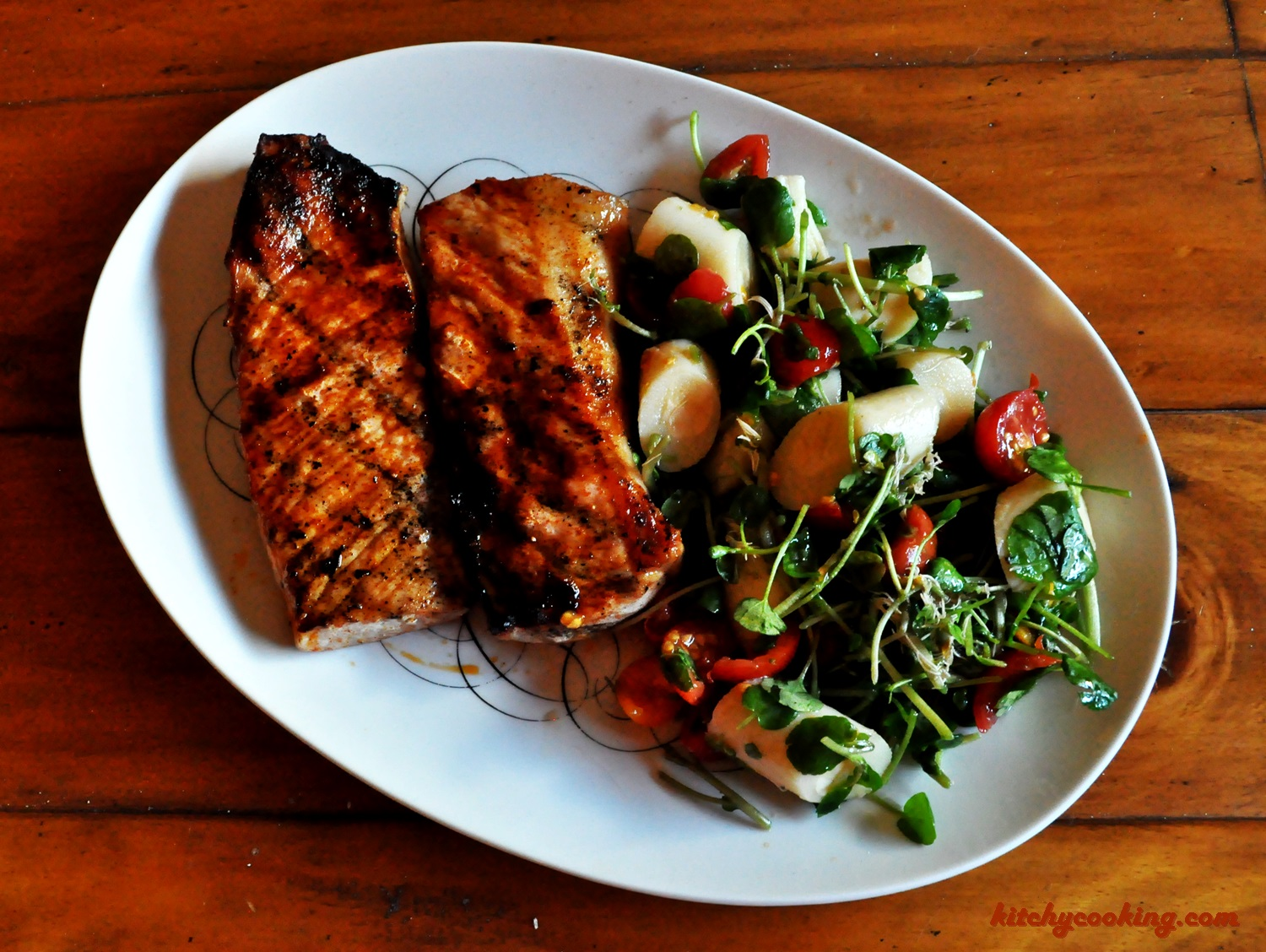 Paprika Pork Chops and Hearts of Palm Salad - Kitchy Cooking